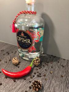 OPIHR London Dry Gin mit Chilli, Pfeffer und Tannenzapfen