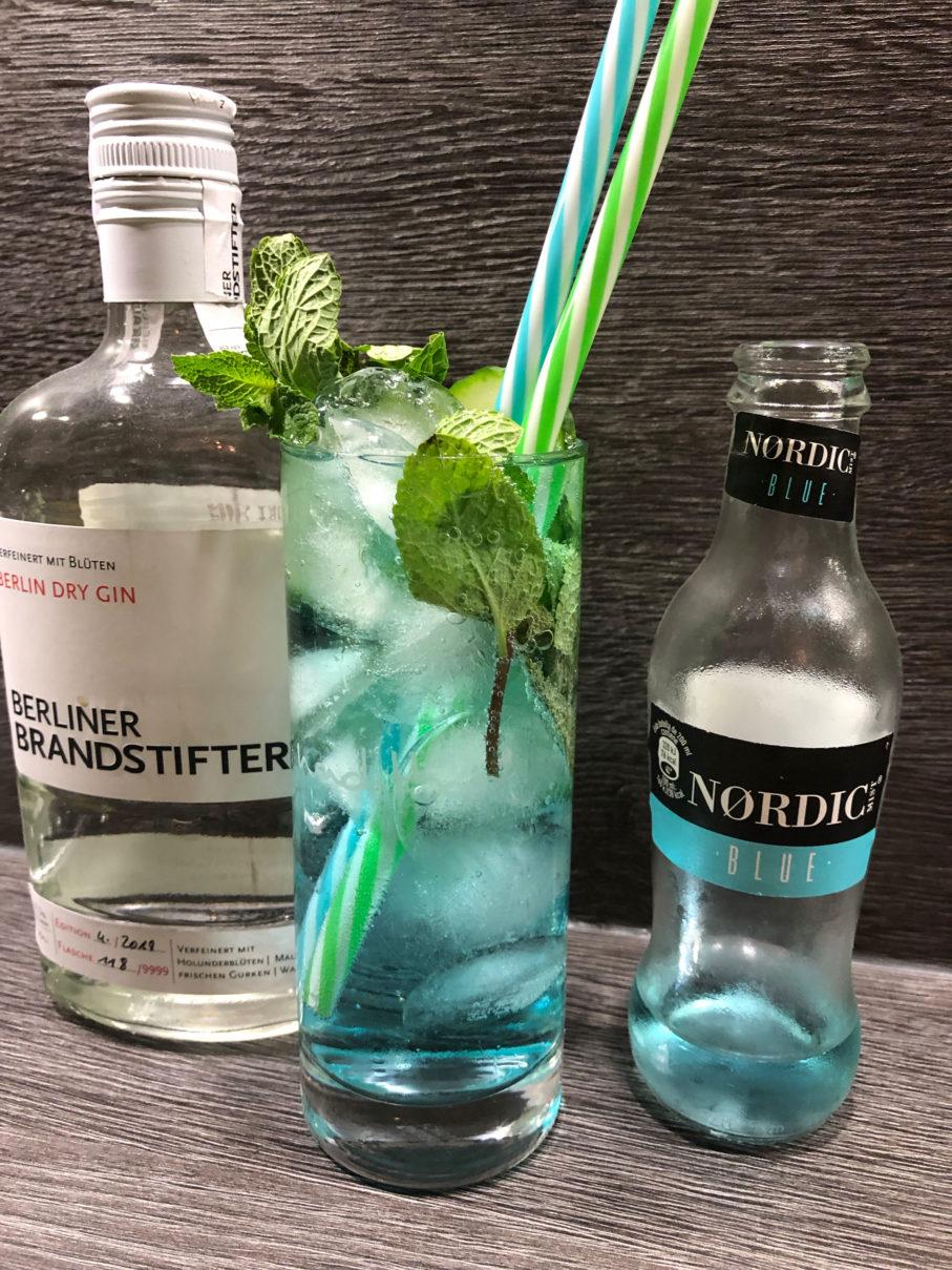 Ginfektion, Blauer Gintonic, Berliner Brandstifter dry Gin, Nordic Mist blue Tonic